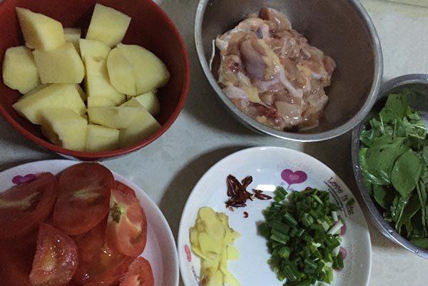 土豆焖鸡腿_配料